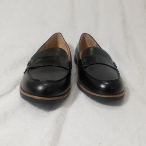 Life stride shoes size 8